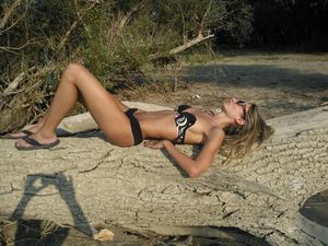 Launa from Texas is looking for adult webcam chat