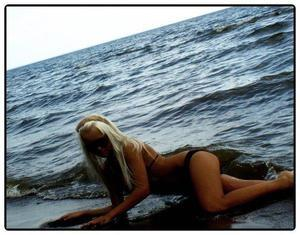 Selene from Washington is looking for adult webcam chat