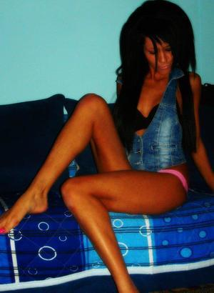 Valene from Idaho is looking for adult webcam chat